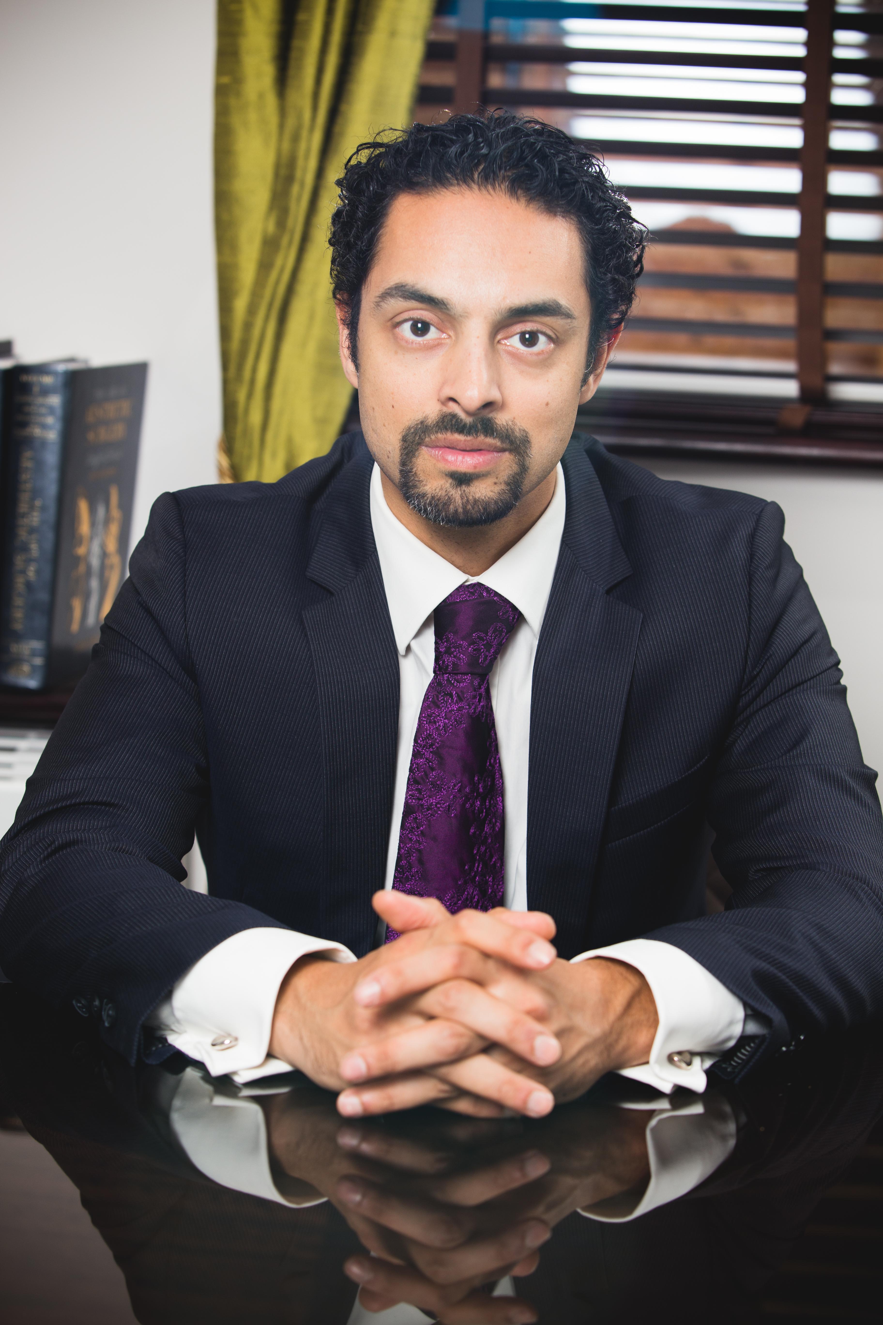 Dr Julian De Silva Profile2